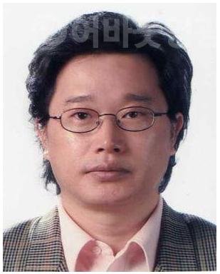 1.김동석 동화작가, 영광군 아동에 동화책 기증(김동석).png